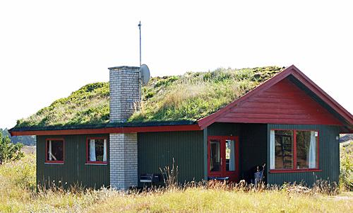Typisches ferienhaus mit grasdach in bolilmark roemoe
